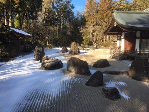 高野山金剛峰寺の雪